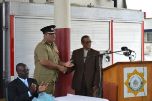 PS Petty hands over keys to  Fire Chief OGarro